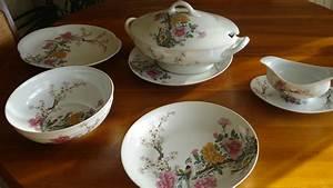 Service Vaisselle Porcelaine : estimation vase verrerie porcelaine service de vaisselle en porcelaine de limoge de 56 pieces ~ Teatrodelosmanantiales.com Idées de Décoration