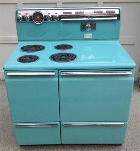 vintage kitchen decor pictures vintage aqua color calrod 1952 ge electric range