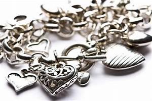 Silber Reinigen Hausmittel : silberschmuck reinigen hausmittel ~ Markanthonyermac.com Haus und Dekorationen