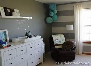 Babyzimmer Weiß Grau : 2013 02 babyzimmer dekorieren streifen wand grau wei papierkugeln kinderzimmer pinterest ~ Sanjose-hotels-ca.com Haus und Dekorationen