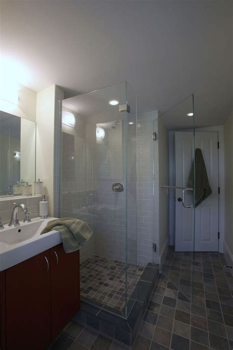 Cape Cod Bathroom Designs by 38 Best Cape Cod Bathrooms Images On Cape Cod