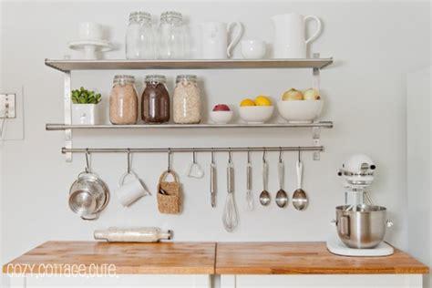 comprare mensole 10 idee per organizzare una cucina piccola babygreen