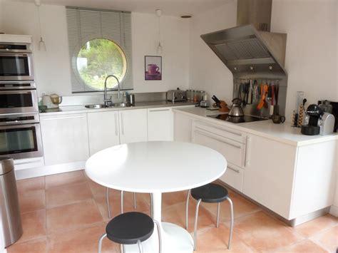 cuisine blanc et gris davaus cuisine moderne gris et blanc avec des
