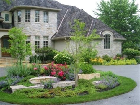 landscaping ideas for circular driveway circle drive landscaping pinterest home lakes and circles