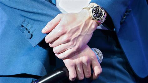 quiz   guess   pop idol    hands
