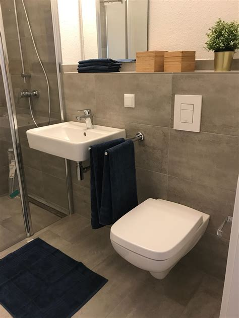 farbgestaltung badezimmer grau ideen f 252 rs streichen und gestalten vom bad alpina farbe einrichten and farbgestaltung badezimmer