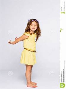 robe petite fille jauneportrait intgral de petite fille With robe pull fille