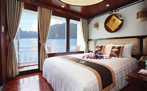 viola honeymoon suite cabin viola cruise halong bay