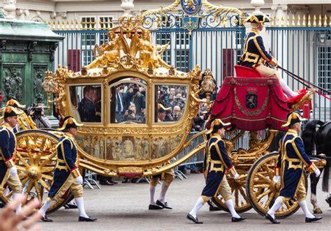 la carrozza d oro il palazzo noordeinde e la carrozza d oro il tocco reale