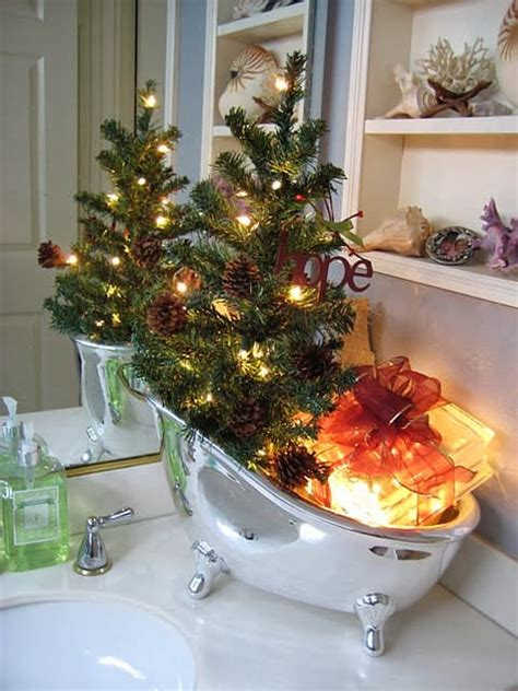 awesomely unexpected christmas bathroom decorations