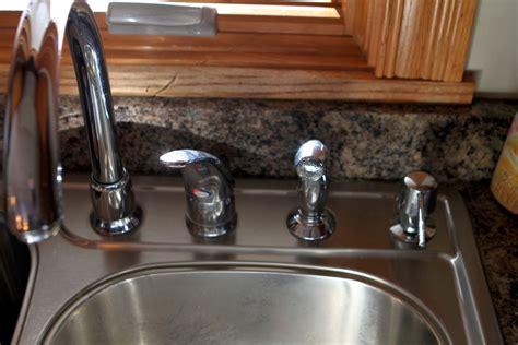 replacing a kitchen sink faucet moen kitchen faucet model 7700 7760