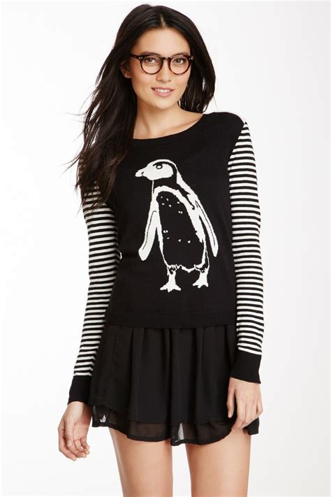 penguin sweater 425 best images about penguins on