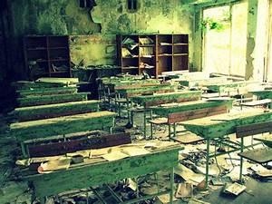 Abandoned school in Pripyat' / Chernobyl, Ukraine ...