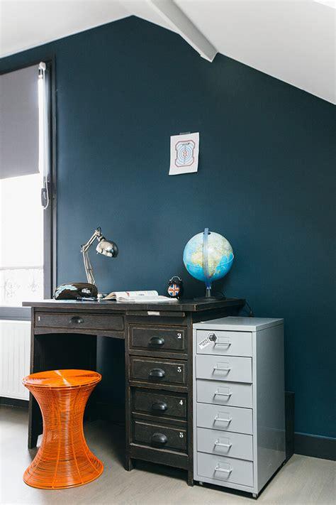 chambre style usine nuances de bleu style industriel frenchyfancy