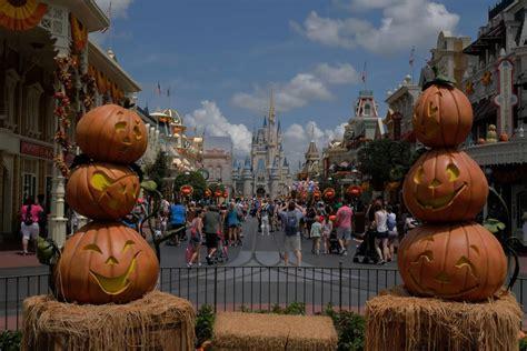 video halloween  decorations merchandise arrive  magic kingdom walt disney world