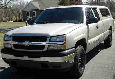 sell   chevy silverado  extended cab pickup