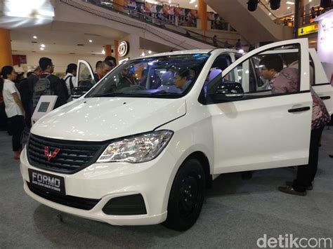 Wuling Formo Modification by Intip Spesifikasi Formo 1 200 Cc Mobil Punya Wuling