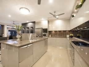 Backsplash Tile Designs For Kitchens Best 25 Modern Kitchen Tiles Ideas On Green Kitchen Tile Ideas Minimalist Style