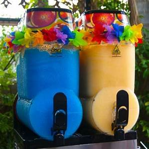 Pics For > Sweet 16 Pool Party Themes