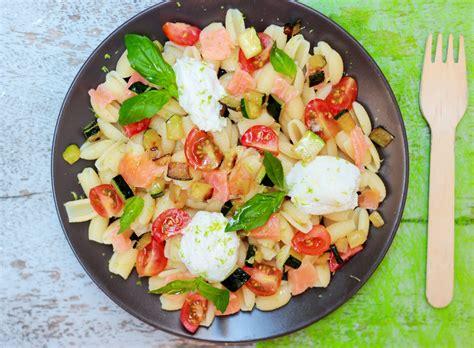 salade de pates  la ricotta saumon fume petits legumes