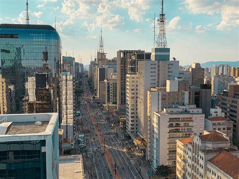 São roubados 300 telemóveis por dia na cidade de São Paulo ...
