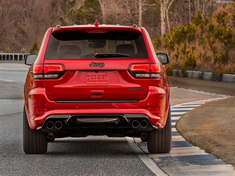 jeep trackhawk back jeep grand cherokee trackhawk 2018 picture 21 of 51