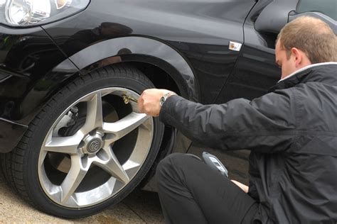 How To Check Your Car's Tyre Pressure