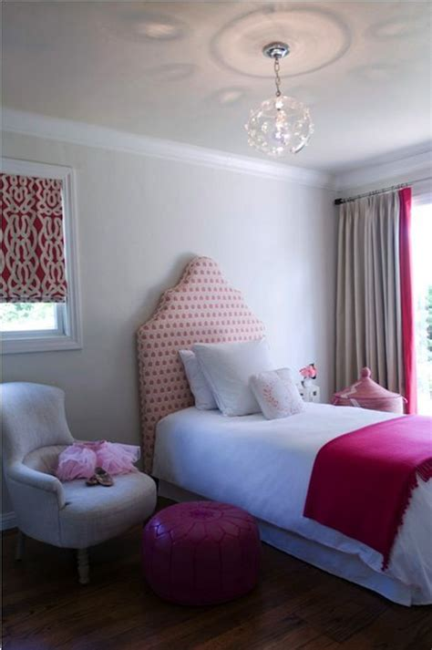 bedroom designs pink chic girl s bedroom design with pink headboard hot pink 10400 | 18fe8ff8dee760322507e708c1f6a615 bedhead little girl rooms