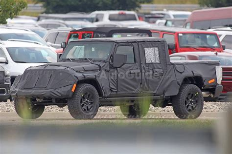jeep wrangler truck spy photos reveal more about jeep wrangler pickup