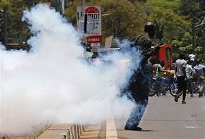 Kenyan police disperse protests against election commission