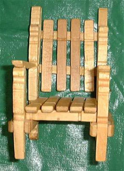 chaise en epingle a linge en bois chaise en pinces à linge je bricole linge