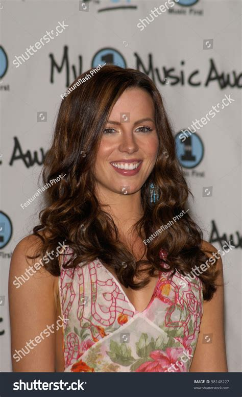 actress similar to kate beckinsale actress kate beckinsale my vh1 music stock photo 98148227