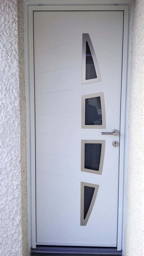 porte d entree moderne alu solabaie rochefort pose d une porte d entr 233 e blanche en alu moderne