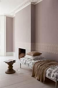 Rose Gold Wandfarbe : taupe wandfarbe edle kulisse f r m bel und accessoires ~ Frokenaadalensverden.com Haus und Dekorationen