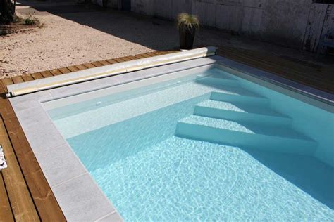 piscine bois avec escalier integre paradise coque en polyester fond plat mediester