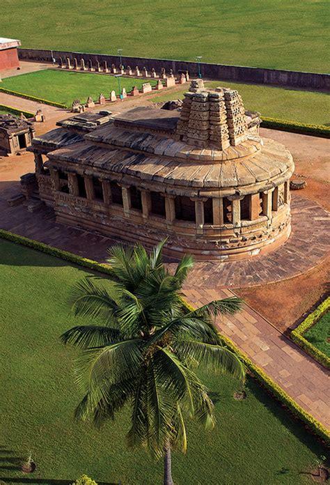 Aihole - Durga Temple - archaeological museum | Ravana ...