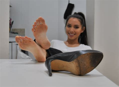 Beautiful And Sexy Asian Women And Their Feet — Here Is
