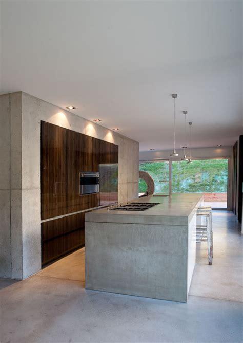 Moderne Häuser Holz Beton by K 252 Hl Moderne K 252 Che Mit Beton Und Holz Bauemotion De