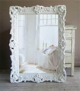 Spiegel Mit Weißem Rahmen : der barock spiegel spricht von erster klasse ~ Whattoseeinmadrid.com Haus und Dekorationen