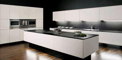 allmilmo cuisine plan de cuisine en granit plan de travail et meubles de cuisine cuisine chne bois carreaux