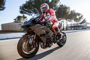 Kawasaki Aix En Provence : concession kawasaki carpentras espace 2 roues moto scooter motos d 39 occasion ~ Medecine-chirurgie-esthetiques.com Avis de Voitures