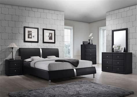 4 Pc Black Zenia Collection King Size Platform Bedroom Set