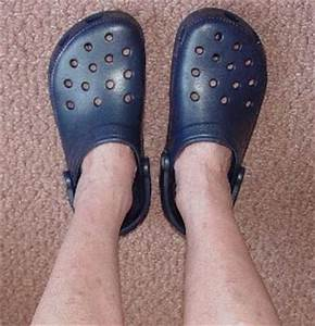 FOTOPIA: Crocs.... shameful at best!