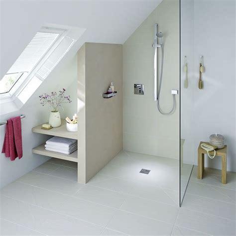 Kleines Badezimmer Dachgeschoss by Badezimmer Klein Mit Schr 228 Ge Interior Badezimmer