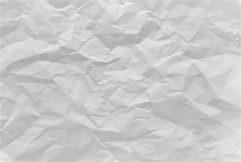 papier peint deco chambre papier peint panoramique intissé effet papier froissé et irisé