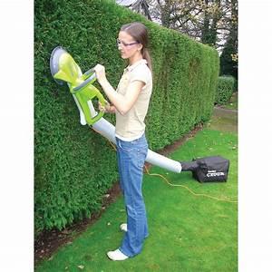 Garden Groom Pro : garden groom collecting power hedge trimmer 137480 yard garden at sportsman 39 s guide ~ Frokenaadalensverden.com Haus und Dekorationen