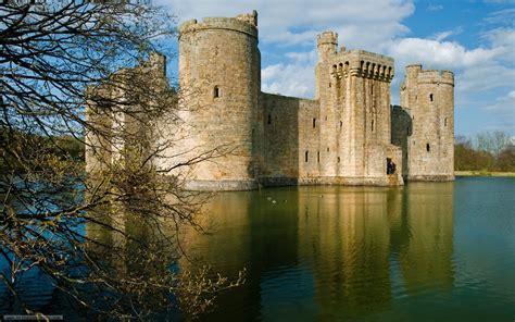 Bodiam Castle Wallpapers by Bodiam Castle Wallpaper 829244