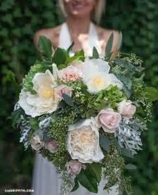 diy wedding bouquet diy bridal bouquet with fresh crepe paper flowers diy weddings