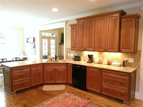 hudson heritage brown  chocolate glaze kitchen cabinets