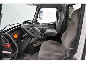 Volvo Vnl 300 - 6x4  Trailer